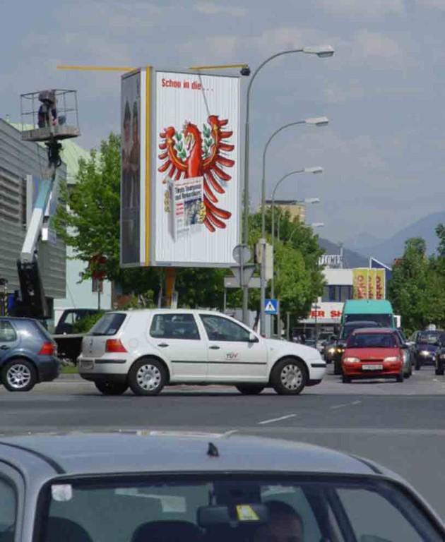 Prismenwender 3 x 5 m HF, Mietfläche P10, DEZ-Kreuzung (Andechsstr./Grabenweg)    Turm1