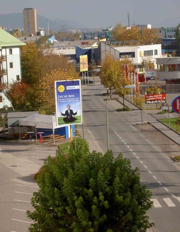Prismenwender 3 x 5 m HF, Mietfläche P10, Grabenweg beim Media Markt / Turm 2
