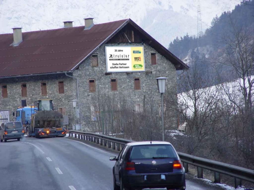 Prismenwender Mietfläche P19, Brenner-Bundesst., hinter Gewerbepark Mutters Ri IBK, 6 x 3 m