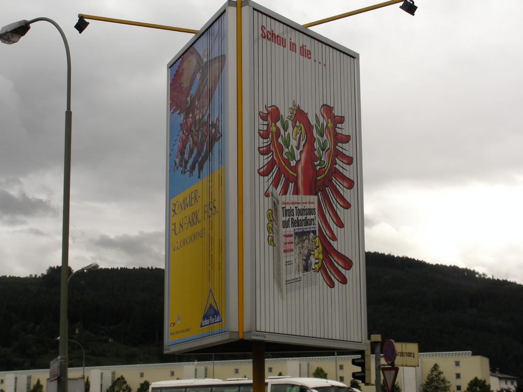 Prismenwender 3 x 5 m HF, Mietfläche, P10 DEZ-Kreuzung (Andechsstr./Grabenweg)    Turm1