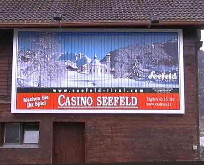 """Casino Seefeld / Tirol  - Beispiel einer Wandmontage (""""Heustadl"""")"""