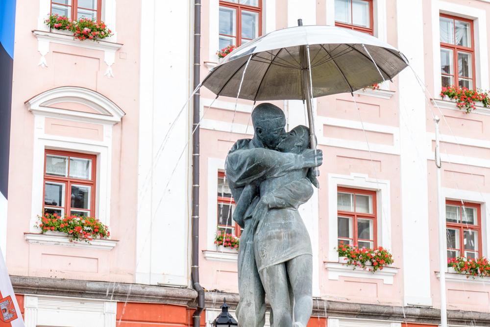 """Denkmal """"Die Liebenden"""""""