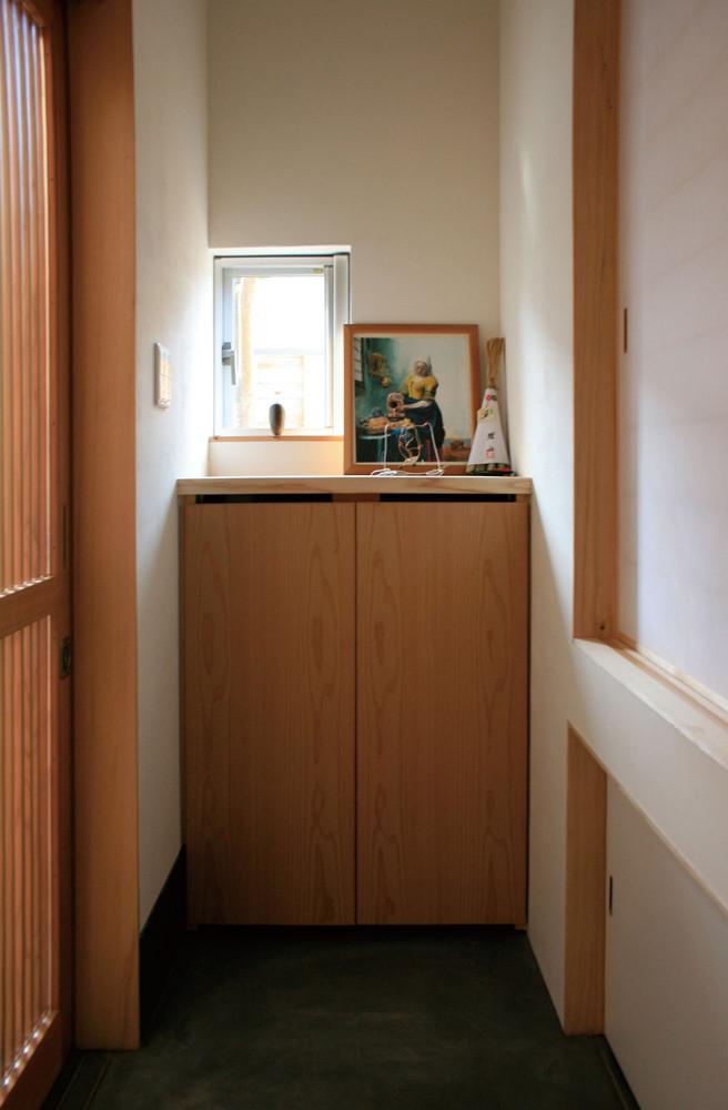 玄関。デザインと機能を共有させた空間