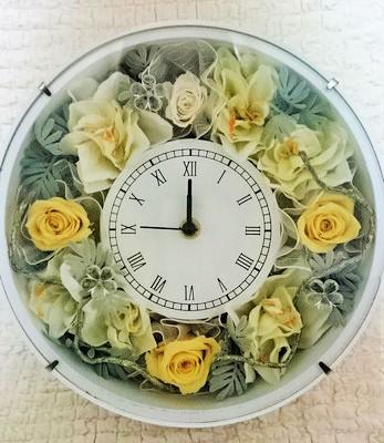 2.花時計 ¥10.000 (外径24cm,D:7cm)