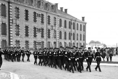 29 octobre 1964, l'escadron fête son installation dans le casernement de PITHIVIERS