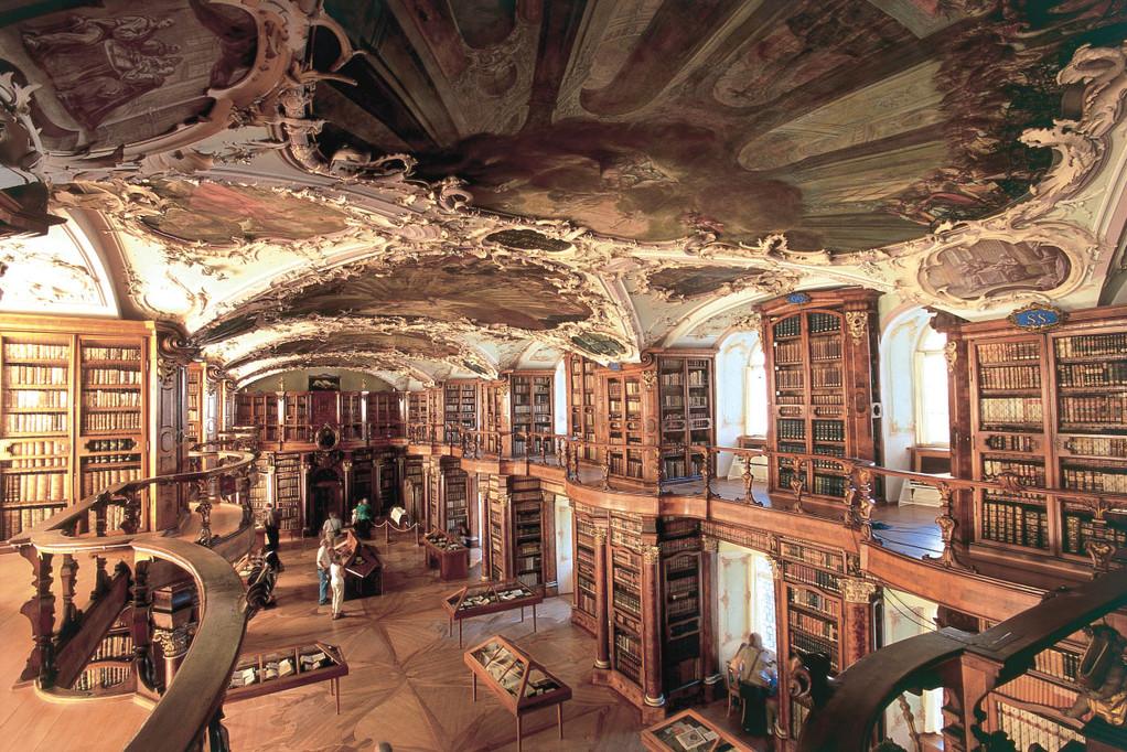 St. Gallen Stiftsbibliothek im Kloster