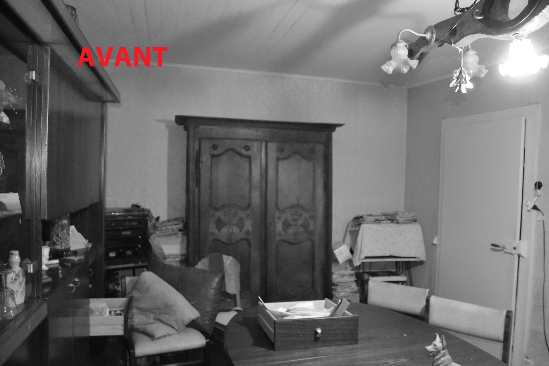 L'autre coté du salon, cette fois ci, c'est l'armoire qui a fait l'objet d'une offre de rachat....