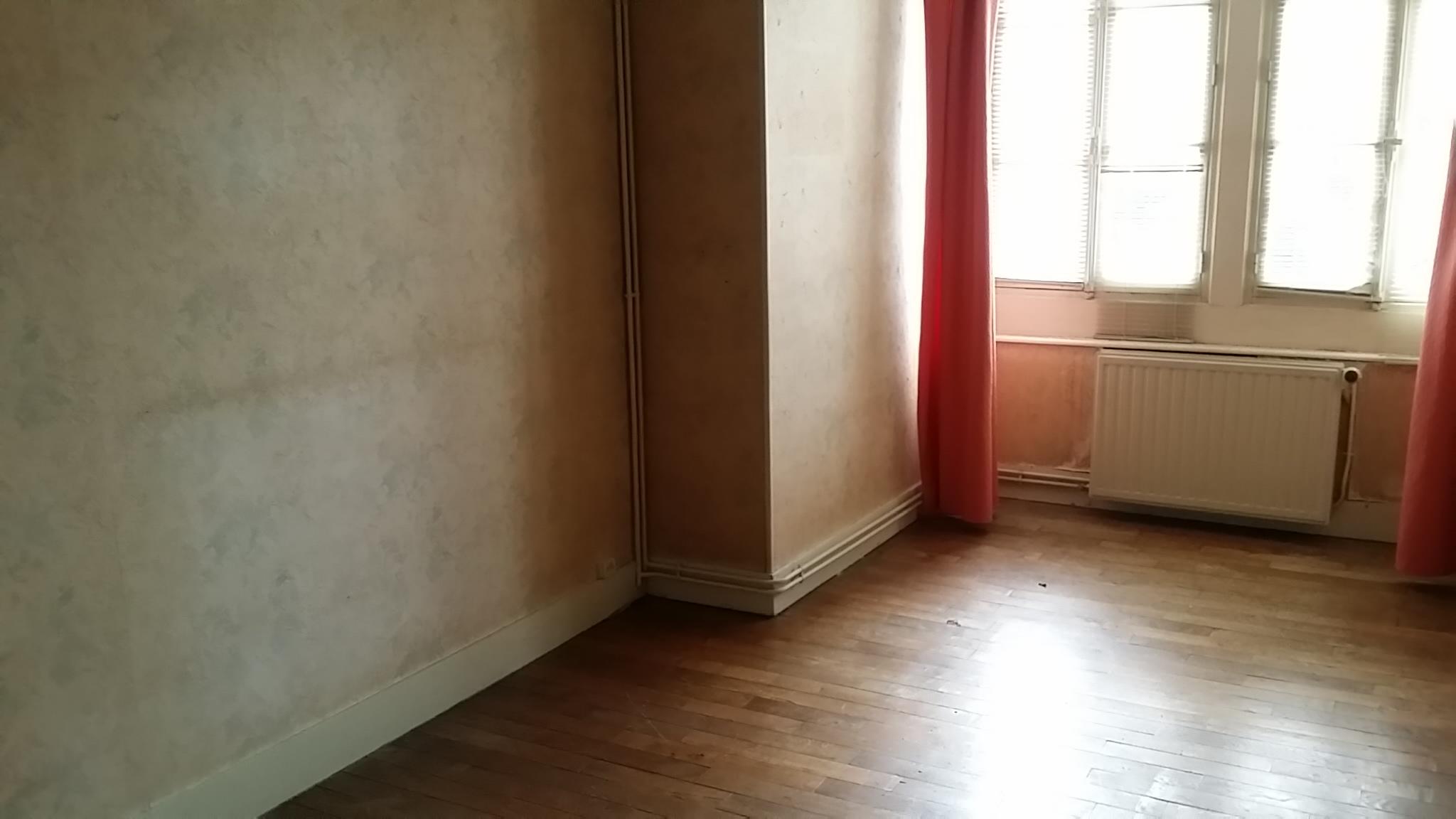 la pièce est vide et les visites peuvent commencer