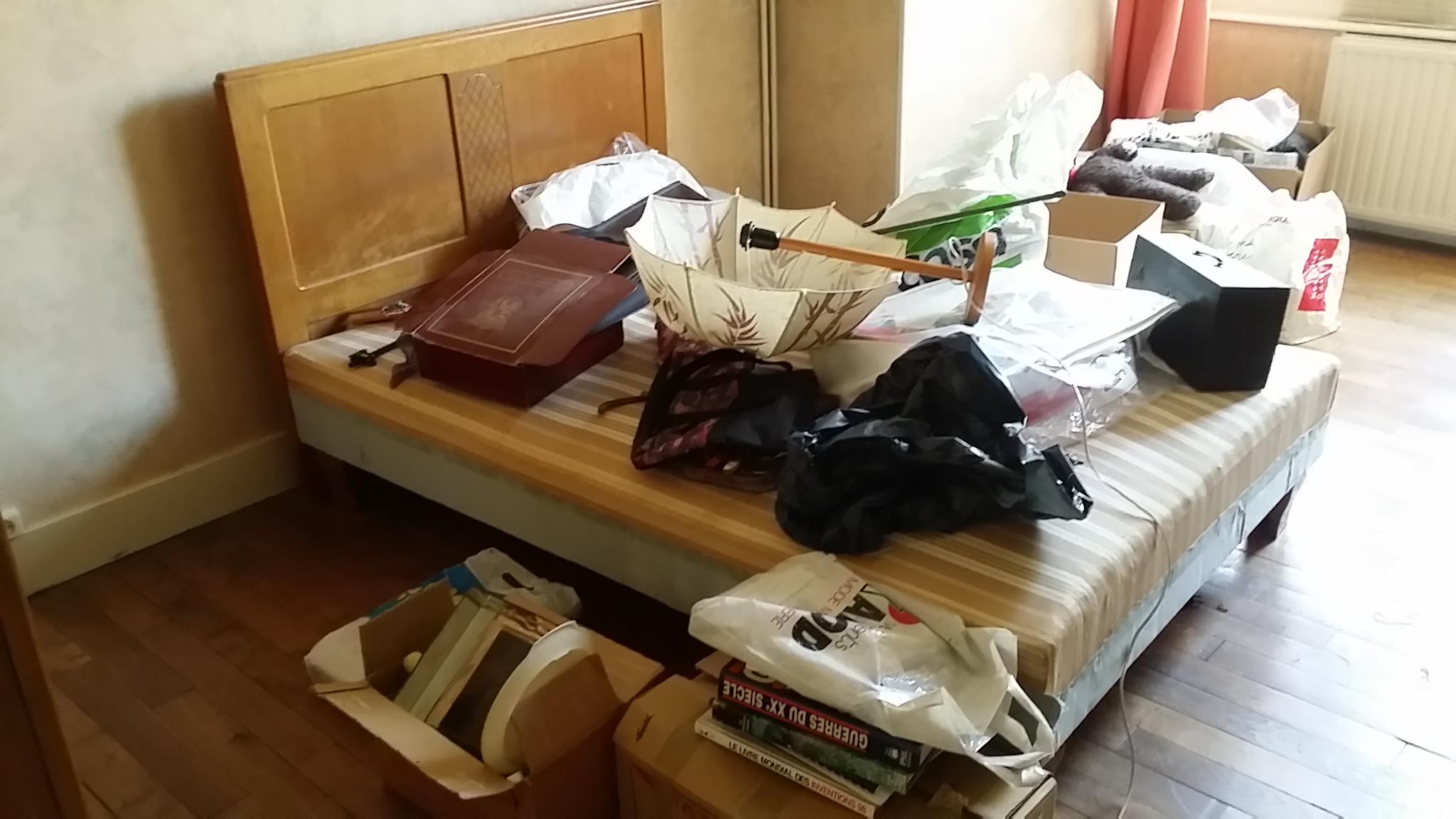 Une chambre à débarrasser....