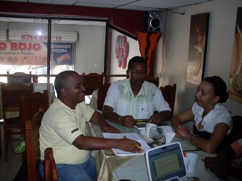 REUNION CON CONSULTORES IRI SOBRE POLITICAS PUBLICAS