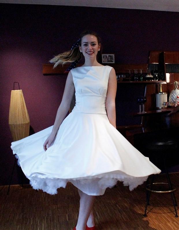 weißes Brautkleid Vintage Style aus Taft, mit weit schwingenem Rock und Petticoat