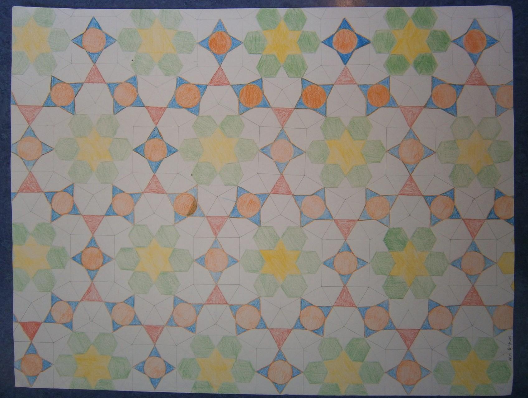 Dit mozaïek is gebaseerd op exact hetzelfde patroon als het vorige mozaïek, maar nu is het met de hand getekend en ingekleurd.