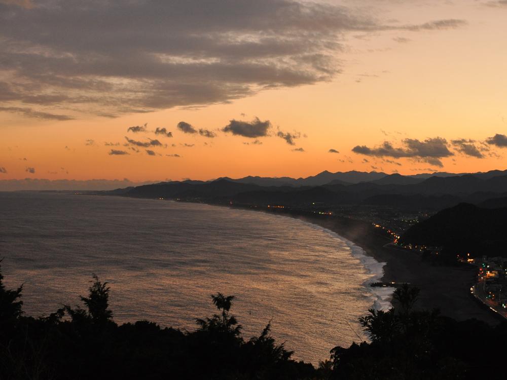 木本町、井戸町は熊野灘に面しています。