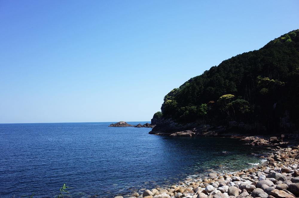 須野町の海です。ここには漁師町ではないので、自然のままの湾が見渡せます。