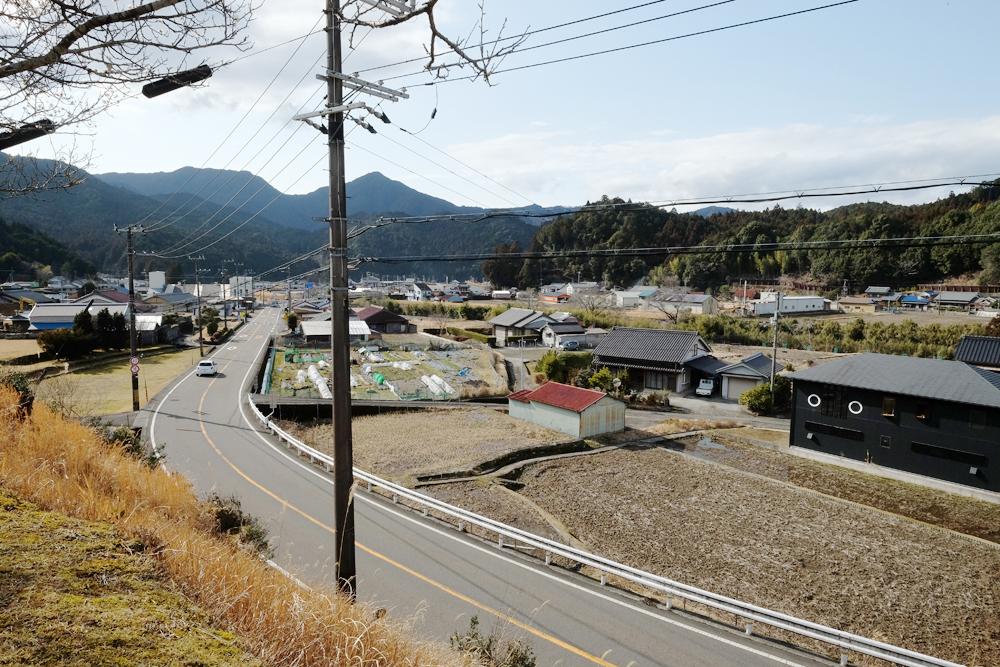 飛鳥町の景色です。山間ののどかな風景です。