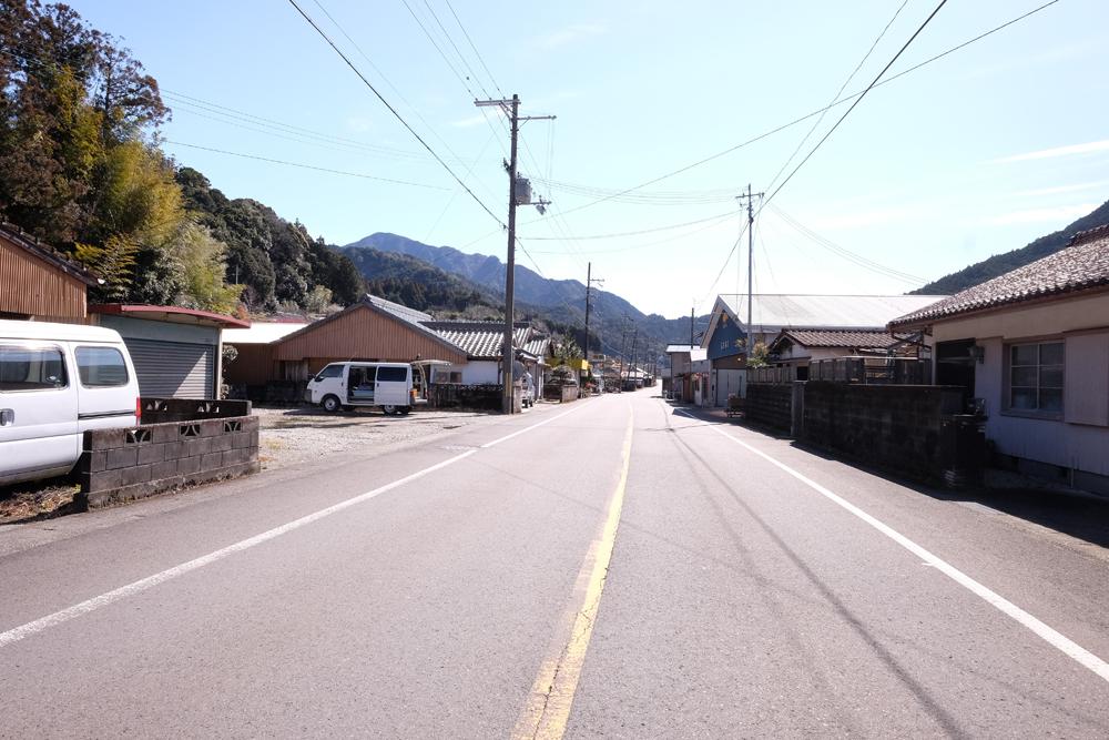 五郷町には奈良県や大阪へのアクセスに便利な国道が通っています。