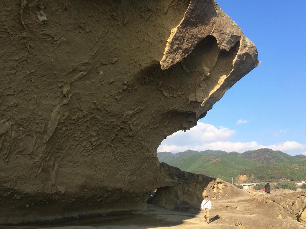 木本町にある世界遺産鬼ヶ城。奇岩壁と海の大迫力パノラマです。