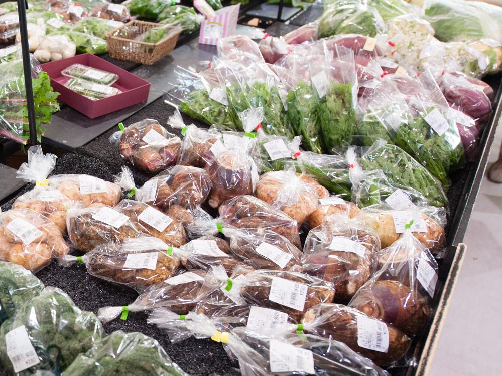 地元の農家の方の新鮮お野菜が手に入ります。