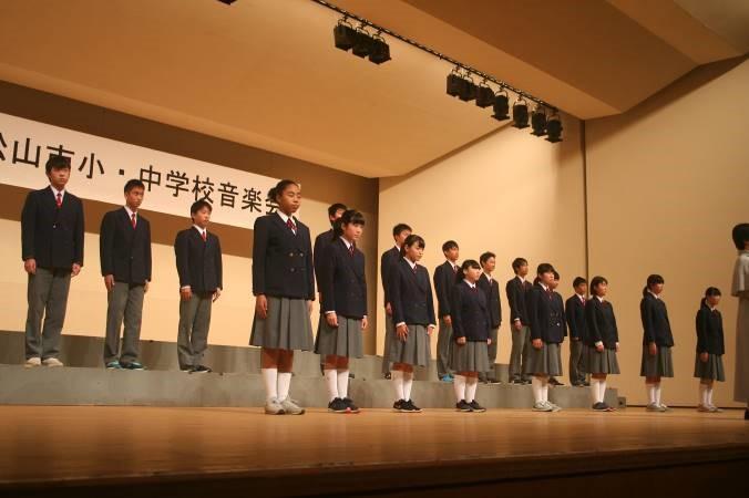 3年2組は伴奏なしのアカペラ 4部合唱