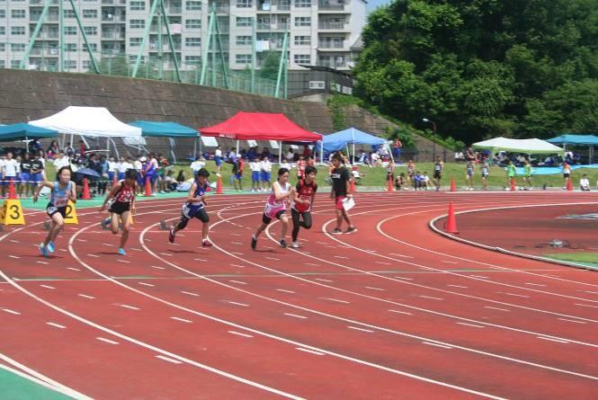 2年女子100m7位