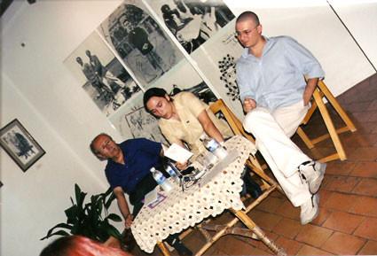 Presentación de Oficina de sujetos perdidos en la casa natal de Federico García Lorca, junto a Rafael Guillén y Andrea Perciaccante