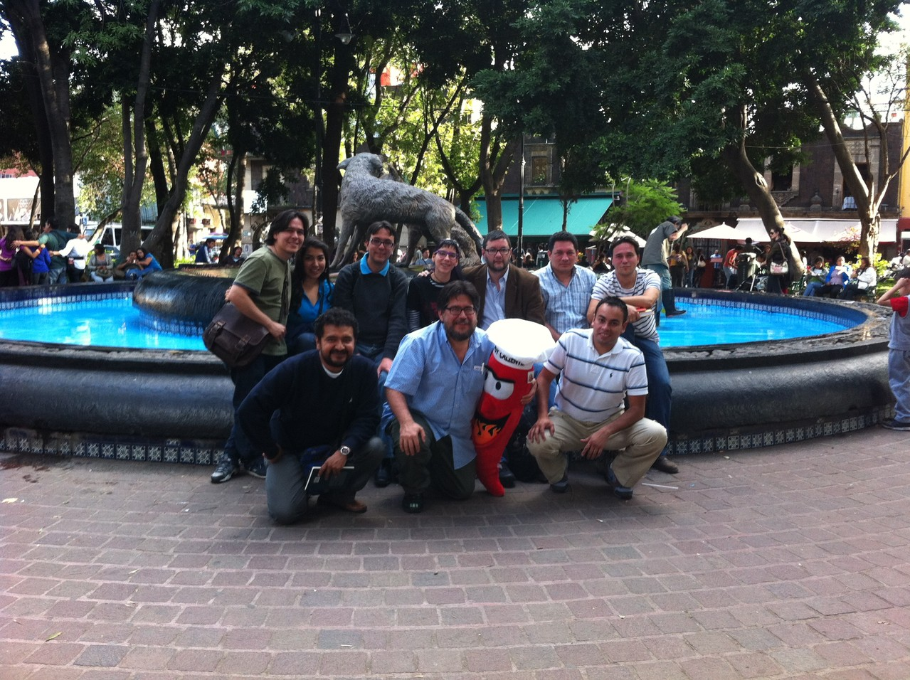 Coyoacán, con Federico Díaz Granados, Xavier Oquendo, Luis Felipe Robledo, Jorge Galán, Mijail Lamas, Alí Calderón y Glafira Rocha.