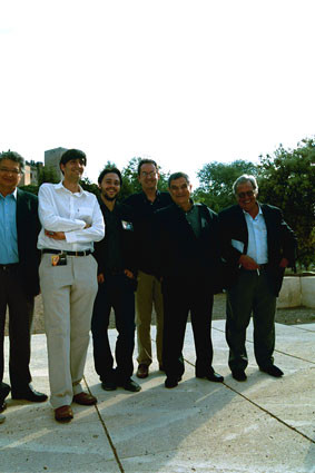 Junto a José Watanabe, Omar Lara, Raúl Rivero, Fernando Valverde y Javier Bozalongo