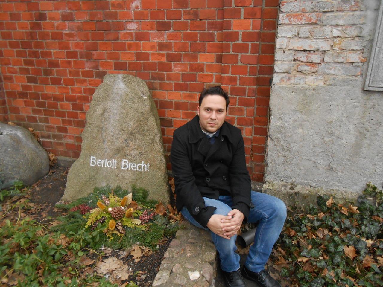 En la tumba de Brecht (Berlín)