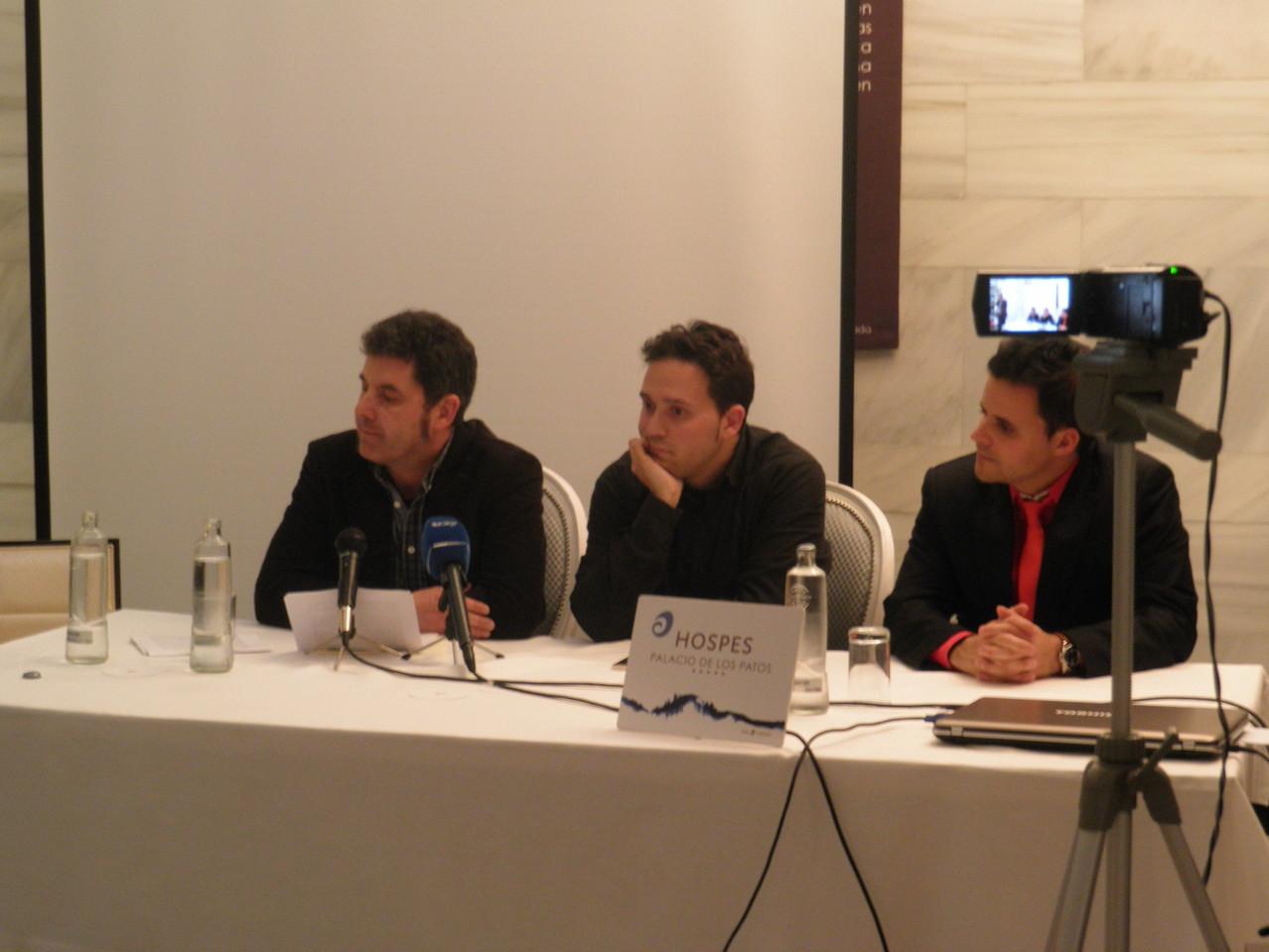 Con José Ignacio Lapido y Juan Pinilla en la presentación de Las cosas que se dicen en voz baja (Abril 2013)