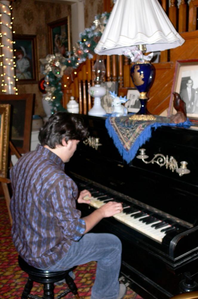 Al piano. En México.