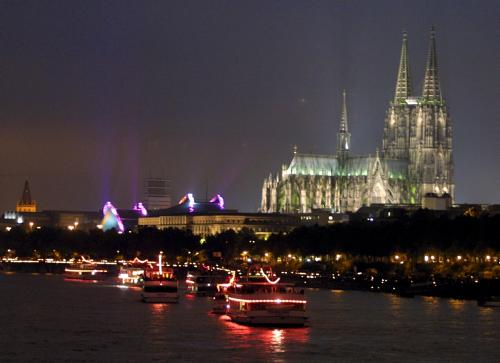 Koln Lichter (Rhine in Flames) 13 July 2002 - Koln River and Cathedral