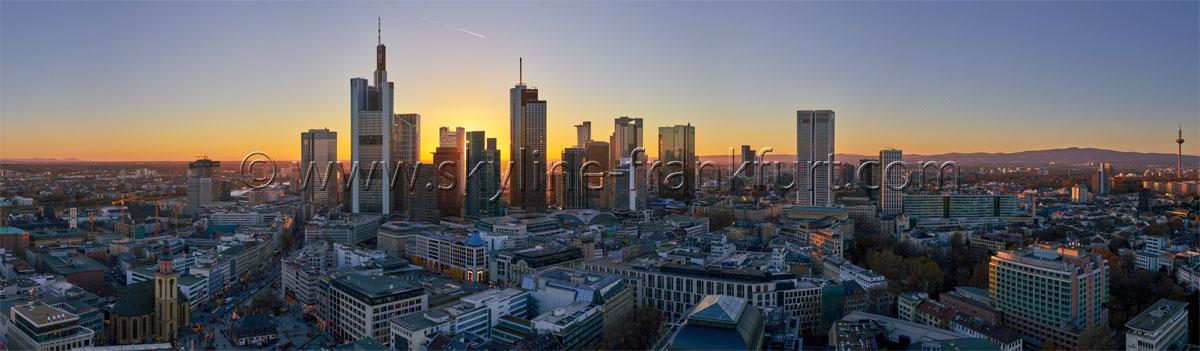 skyline-frankfurt-210