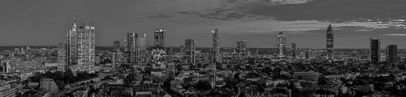 Skyline Frankfurt Panoramafotos in Schwarzweiß 33