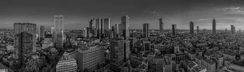 Skyline Frankfurt Panoramafotos in Schwarzweiß 02
