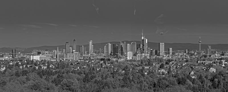 Skyline Frankfurt Panoramafotos in Schwarzweiß 18