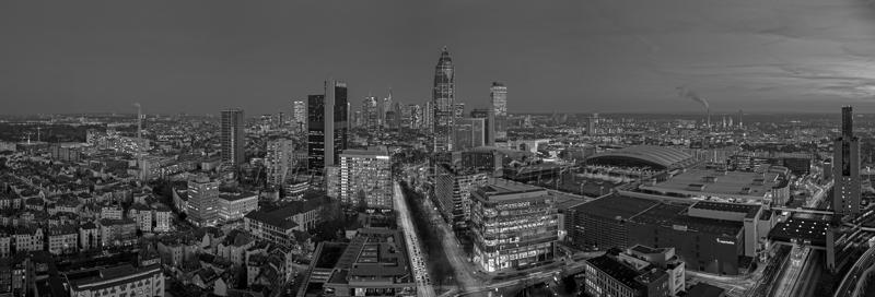 Skyline Frankfurt Panoramafotos in Schwarzweiß 32