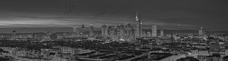 Skyline Frankfurt Panoramafotos in Schwarzweiß 24