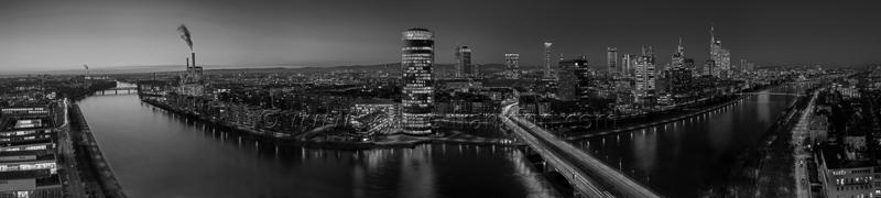 Skyline Frankfurt Panoramafotos in Schwarzweiß 48