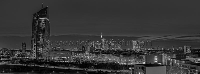 Skyline Frankfurt Panoramafotos in Schwarzweiß 20