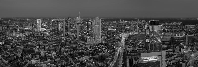 Skyline Frankfurt Panoramafotos in Schwarzweiß 44