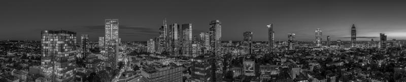 Skyline Frankfurt Panoramafotos in Schwarzweiß 01