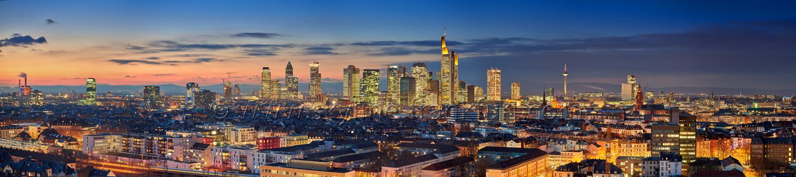skyline-frankfurt-240