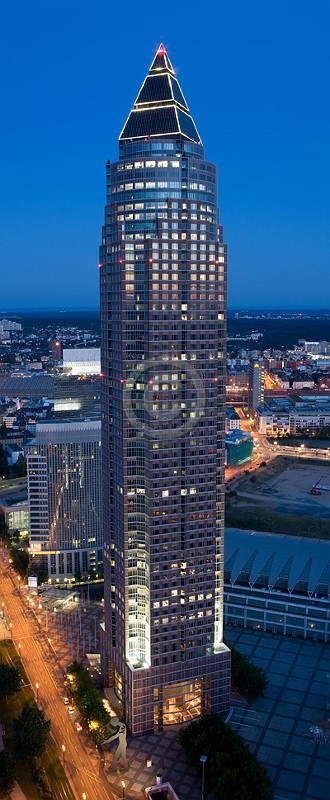 Skyline Frankfurt im Hochformat 20