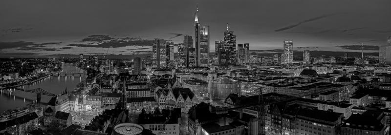 Skyline Frankfurt Panoramafotos in Schwarzweiß 21