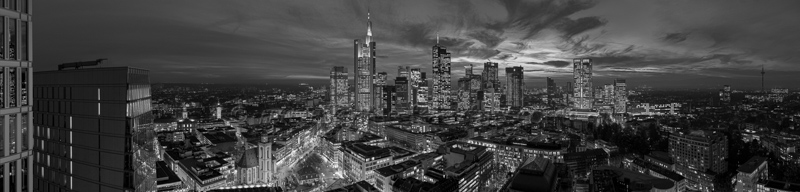 Skyline Frankfurt Panoramafotos in Schwarzweiß 51