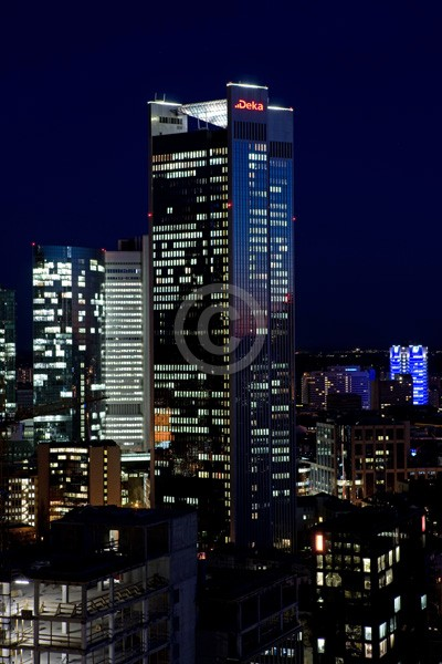 Skyline Frankfurt im Hochformat 14