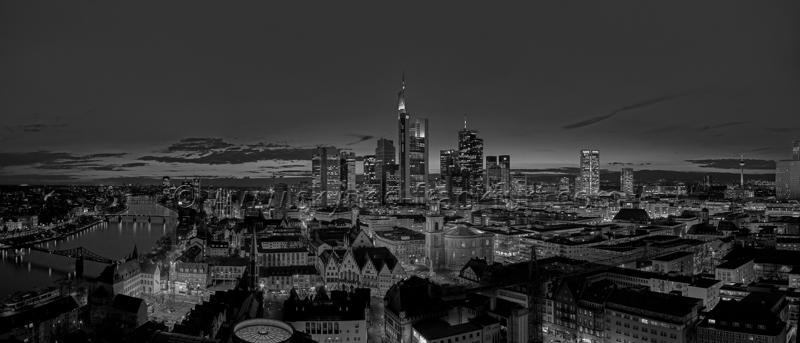 Skyline Frankfurt Panoramafotos in Schwarzweiß 22