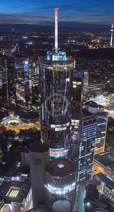 Skyline Frankfurt im Hochformat 25