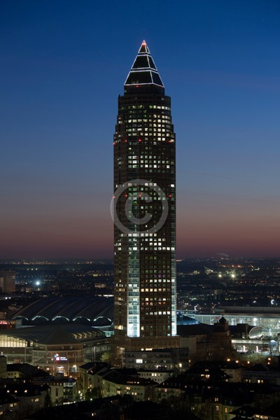 Skyline Frankfurt im Hochformat 12