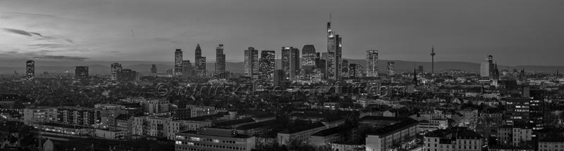 Skyline Frankfurt Panoramafotos in Schwarzweiß 11